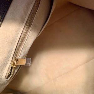 Louis Vuitton Bags - Louis Vuitton Artsy 🌟